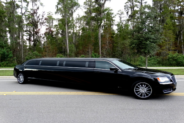 Chrysler 300 limo service 1 Seattle